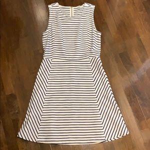 Jcrew Size 6 EUC navy and white stripe dress